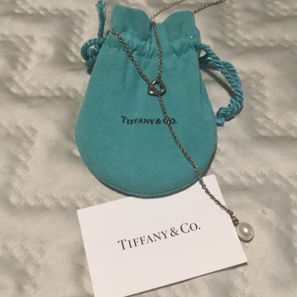 4d585d311a6 Tiffany   Co Elsa Peretti Open Heart Lariat. M 5a67f6e78290aff289a32f98
